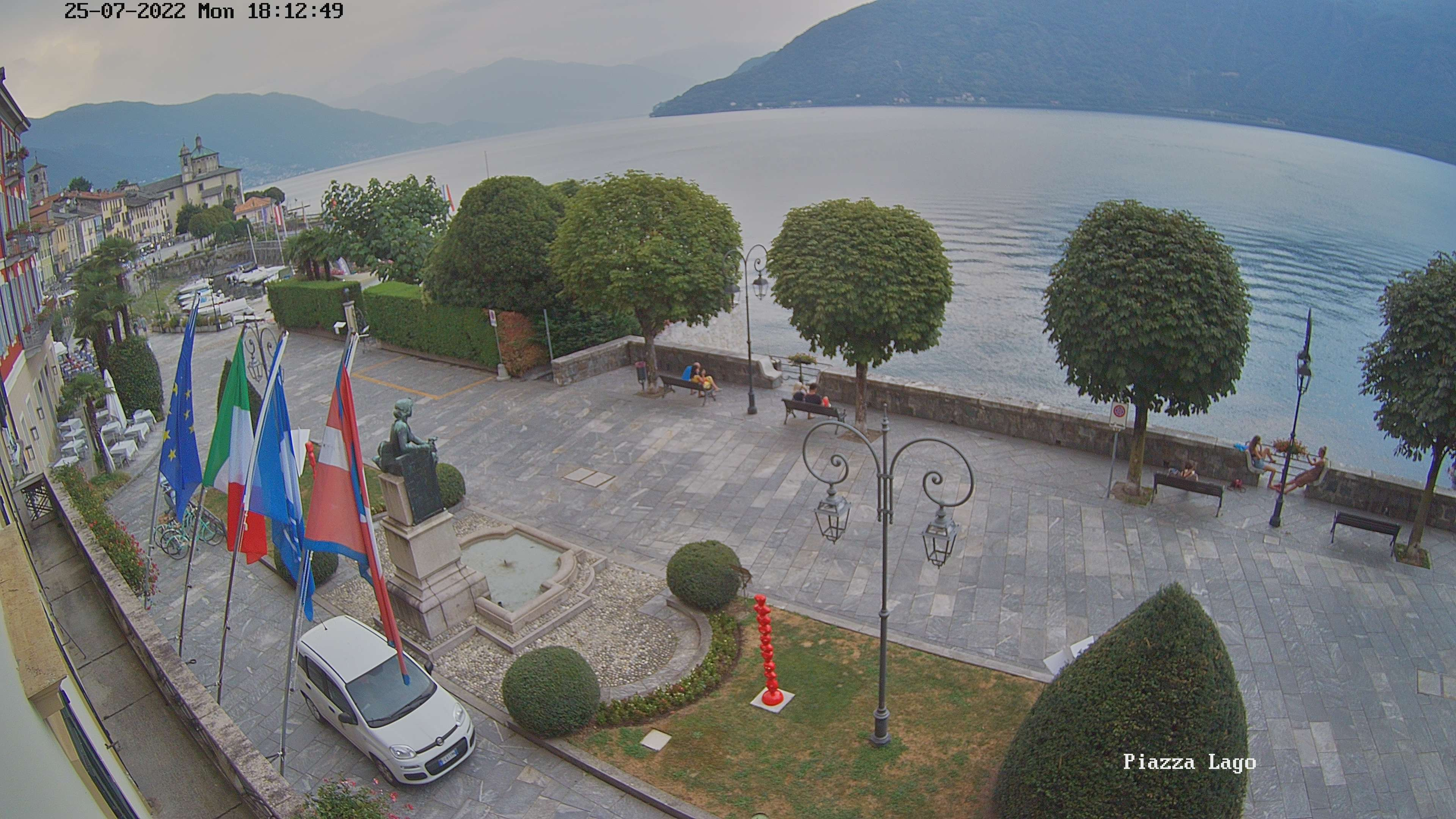 webcam Piazza lago Cannobio